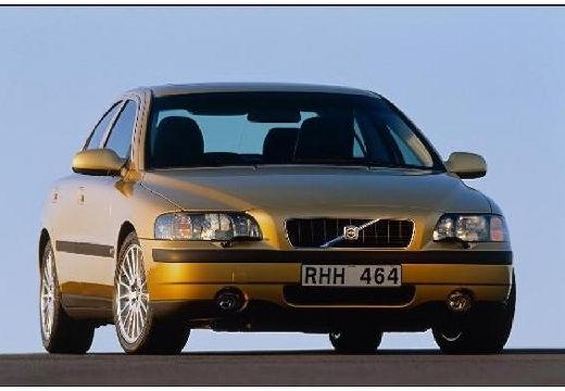 VOLVO S60 sedan złoty przedni prawy