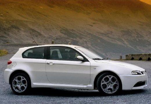 ALFA ROMEO 147 I hatchback biały boczny prawy