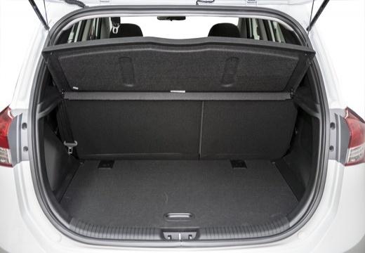 HYUNDAI ix20 II hatchback biały przestrzeń załadunkowa