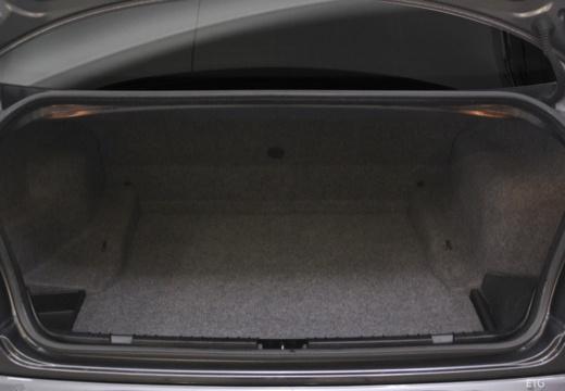 BMW Seria 3 E46 sedan przestrzeń załadunkowa