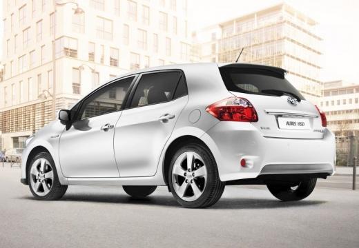 Toyota Auris II hatchback silver grey tylny lewy