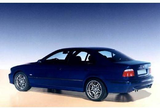 BMW Seria 5 E39 sedan niebieski jasny tylny lewy