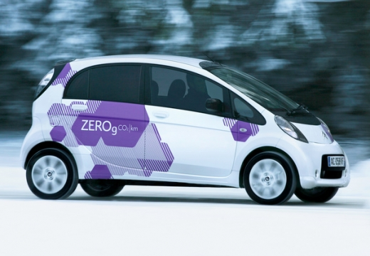 CITROEN C-ZERO hatchback biały przedni prawy