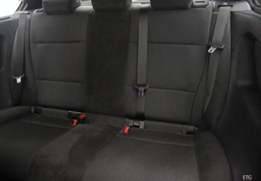 BMW Seria 3 Compact E46/5 hatchback wnętrze