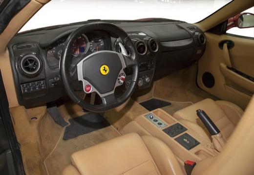 FERRARI 430 F coupe czerwony jasny tablica rozdzielcza