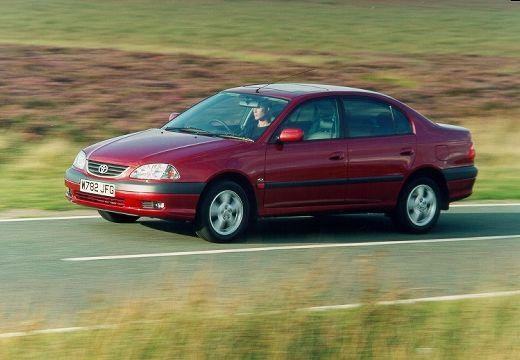 Toyota Avensis II sedan bordeaux (czerwony ciemny) przedni lewy