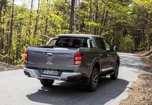 FIAT Fullback pickup szary ciemny tylny prawy