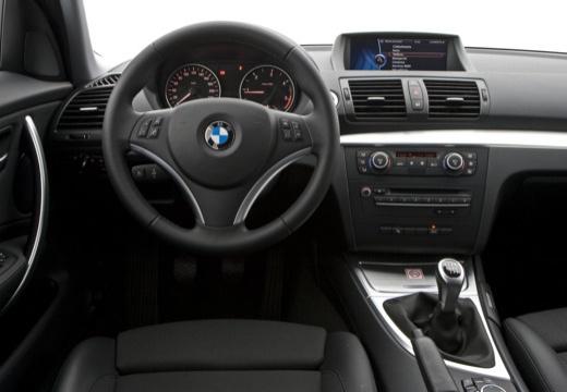 BMW Seria 1 E87 II hatchback tablica rozdzielcza