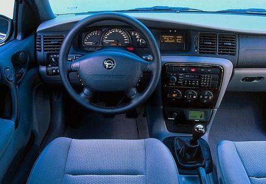 OPEL Vectra B II hatchback tablica rozdzielcza