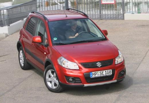 SUZUKI SX4 II hatchback czerwony jasny przedni prawy