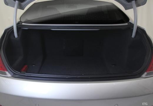 BMW Seria 6 E63 I coupe przestrzeń załadunkowa