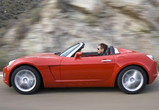 OPEL GT roadster czerwony jasny boczny lewy