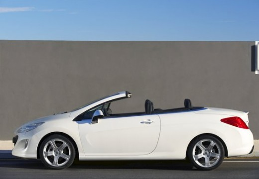 PEUGEOT 308 kabriolet biały boczny lewy