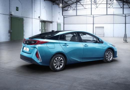 Toyota Prius hatchback niebieski jasny tylny prawy