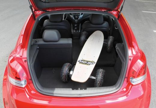 HYUNDAI Veloster I coupe czerwony jasny przestrzeń załadunkowa