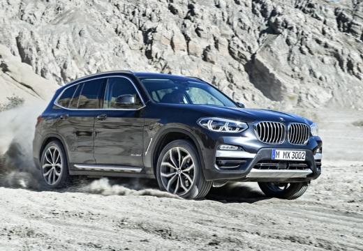 BMW X3 kombi silver grey przedni prawy