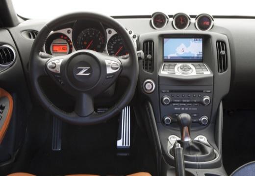NISSAN 370 Z I coupe tablica rozdzielcza