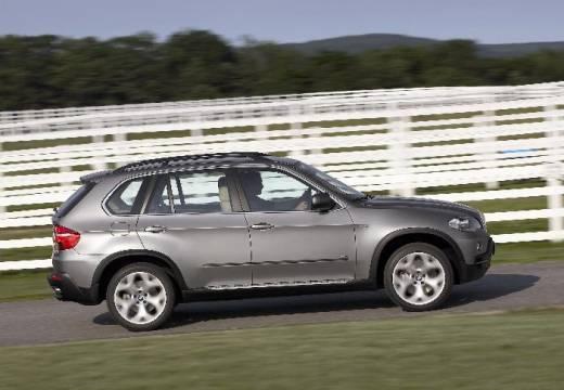 BMW X5 kombi silver grey boczny prawy