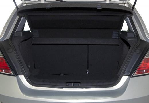OPEL Astra III II hatchback silver grey przestrzeń załadunkowa