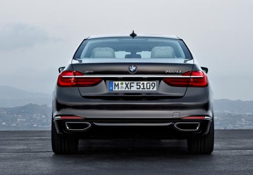 BMW Seria 7 G11 G12 I sedan czarny tylny