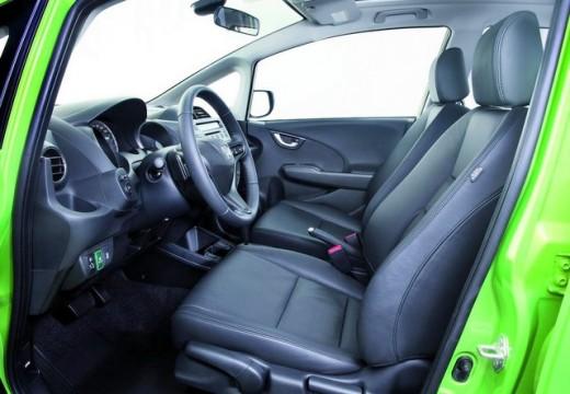 HONDA Jazz III hatchback wnętrze