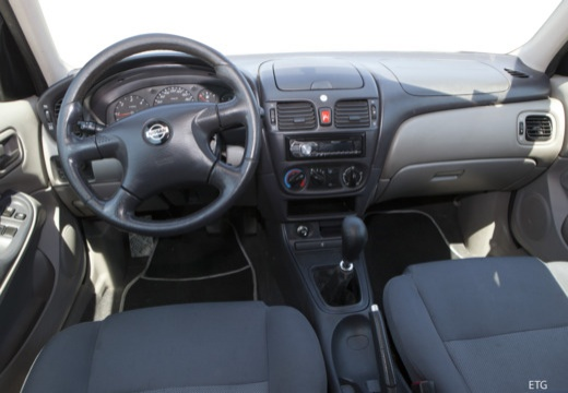 nissan almera ii 1 5 comfort hatchback i 90km 2000