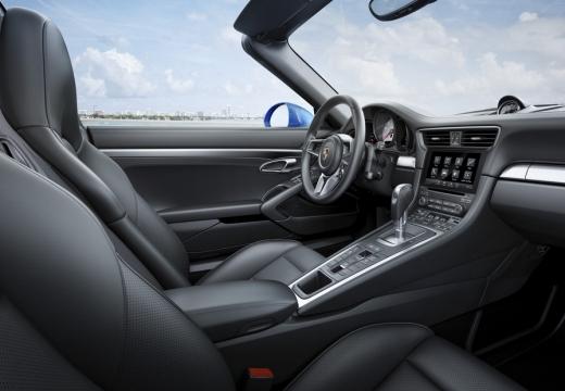 PORSCHE 911 991 II coupe niebieski jasny wnętrze