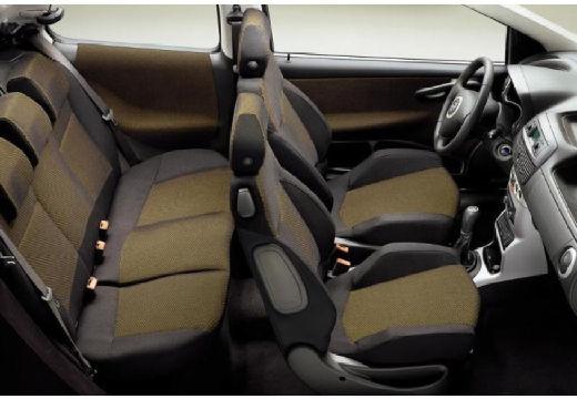 FIAT Punto hatchback wnętrze