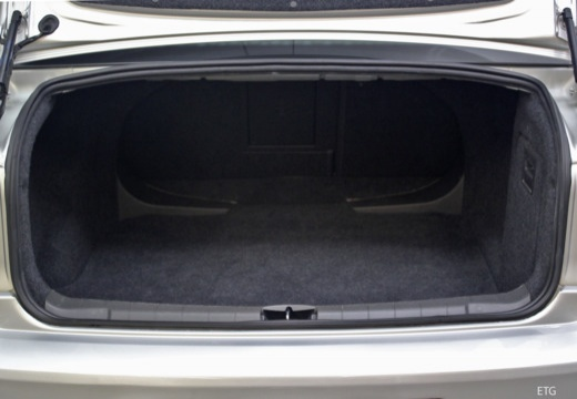 OPEL Vectra C II sedan przestrzeń załadunkowa