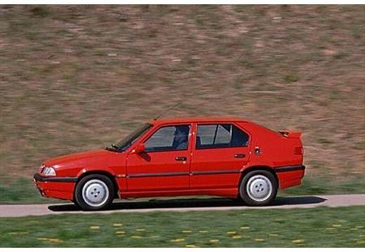 ALFA ROMEO 33 I hatchback czerwony jasny boczny lewy