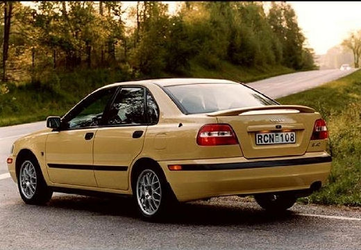 VOLVO S40 III sedan żółty tylny lewy