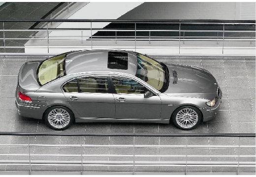 BMW Seria 7 E65 E66 II sedan silver grey boczny prawy