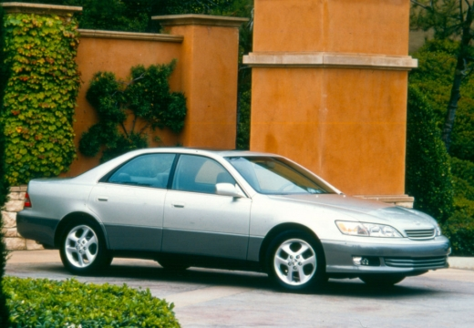 LEXUS ES 300 I sedan silver grey przedni prawy