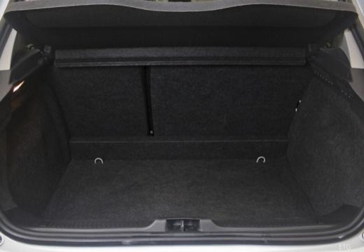 RENAULT Clio III II hatchback przestrzeń załadunkowa