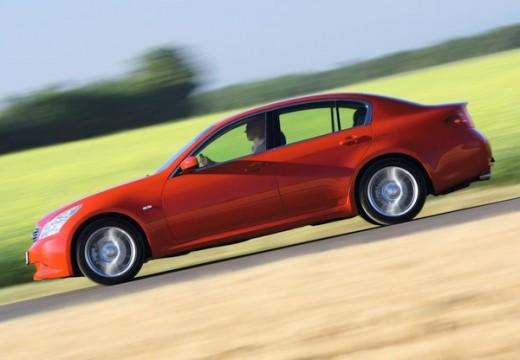 INFINITI G37 sedan czerwony jasny boczny lewy