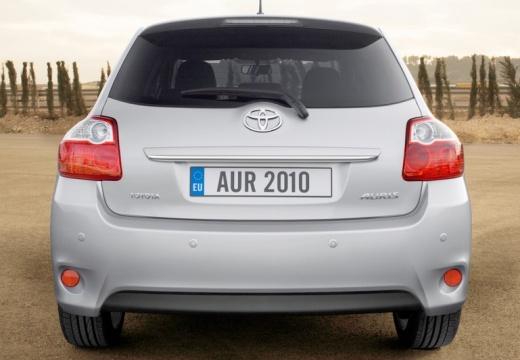 Toyota Auris II hatchback silver grey tylny