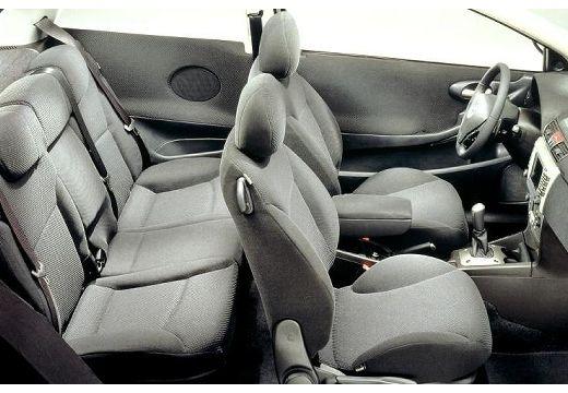 FIAT Stilo II hatchback wnętrze