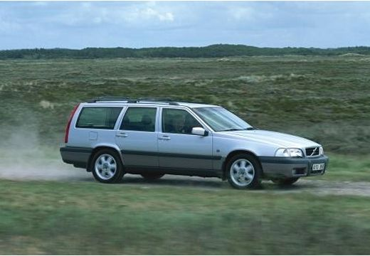 VOLVO V70 Classic kombi silver grey przedni prawy