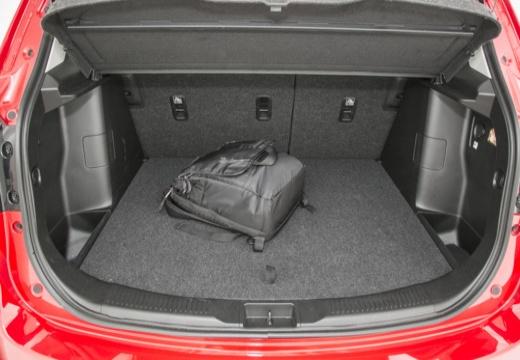 SUZUKI SX4 S-cross I hatchback czerwony jasny przestrzeń załadunkowa
