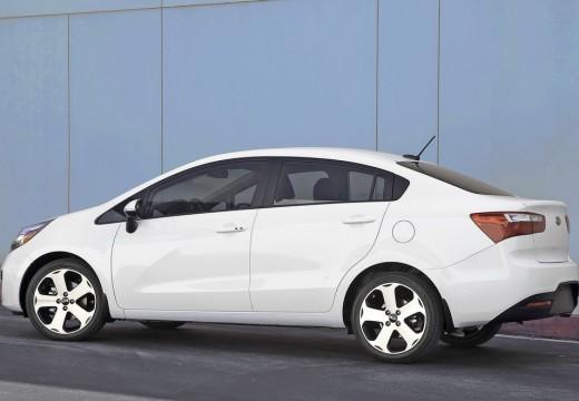 KIA Rio V sedan biały tylny lewy