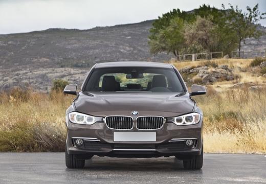 BMW Seria 3 F30/F80 sedan brązowy przedni