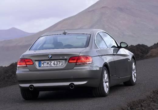 BMW Seria 3 E92 I coupe silver grey tylny prawy