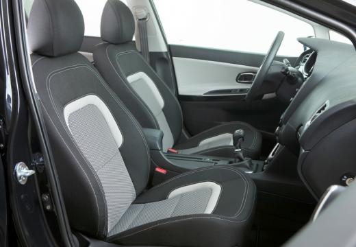 KIA Ceed III hatchback wnętrze