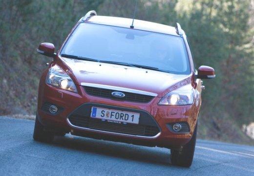 FORD Focus IV kombi czerwony jasny przedni
