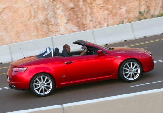 ALFA ROMEO Spider V kabriolet czerwony jasny boczny prawy