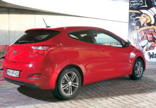 HYUNDAI i30 III hatchback czerwony jasny tylny prawy