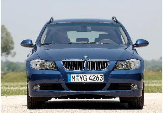 BMW Seria 3 kombi niebieski jasny przedni