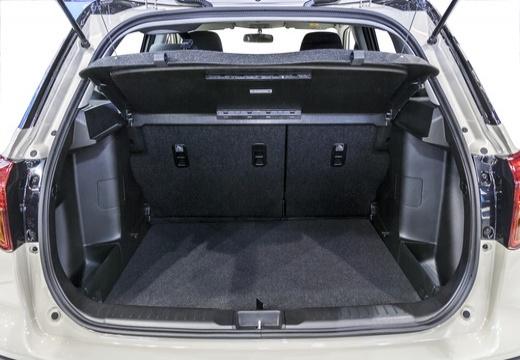 SUZUKI Vitara II hatchback biały przestrzeń załadunkowa