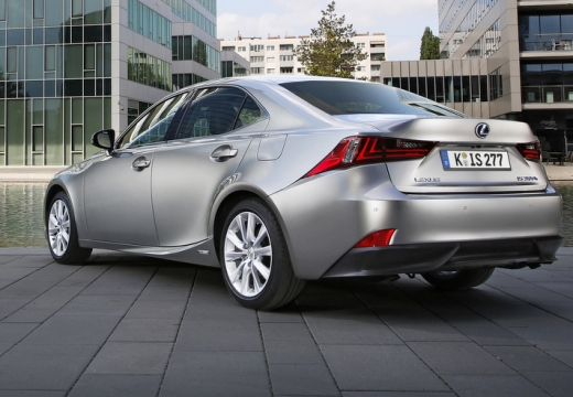 LEXUS IS V sedan silver grey tylny lewy