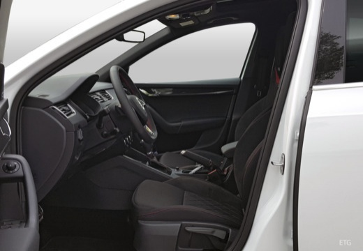 SKODA Octavia III II hatchback wnętrze